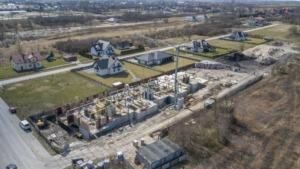 Zdjęcia z budowy z 9.04.2021, nowe mieszkania, Busko-Zdrój ul. Młyńska (zdj. 6)